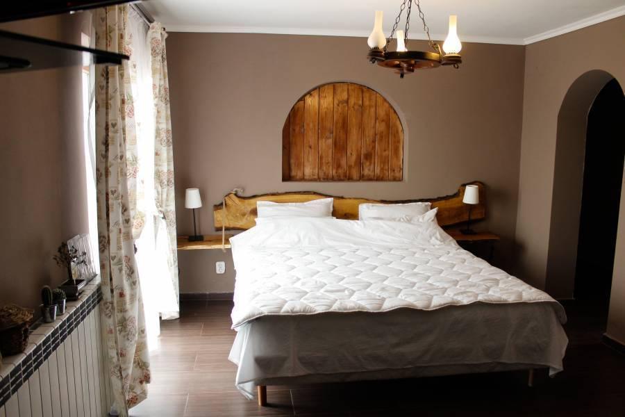 Pensiunea Taverna Bucium, Iasi, Romania, Romania hoteli in hostli
