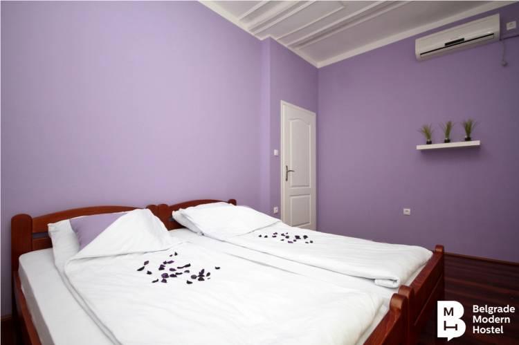 Belgrade Modern Hostel, Belgrade, Serbia, hotellit merinäköala huonetta sisään Belgrade