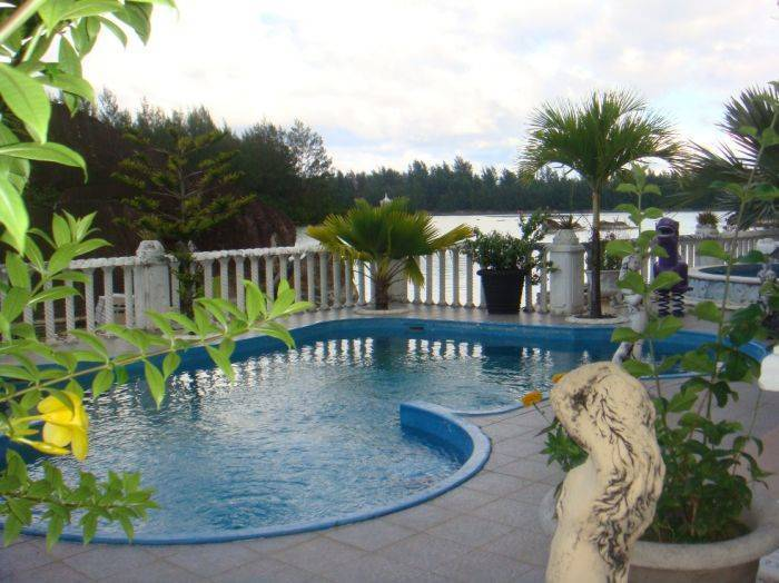 Mountain View Palm Villa, Victoria, Seychelles, how to choose a booking site, compare guarantees and prices in Victoria