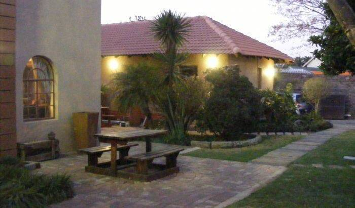 Africa Footprints Guesthouse - Get low hotel rates and check availability in Johannesburg 19 photos