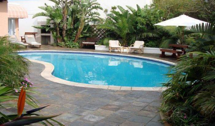 AT Sta-Plus Guest House and B and B, hotel bookings 5 photos