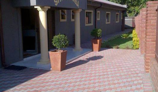 Demamisa Guest House - Search for free rooms and guaranteed low rates in Centurion, traveler rewards in Laudium, South Africa 3 photos