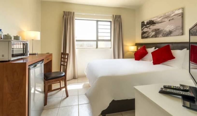 Kathu Inn - Search for free rooms and guaranteed low rates in Kathu 17 photos