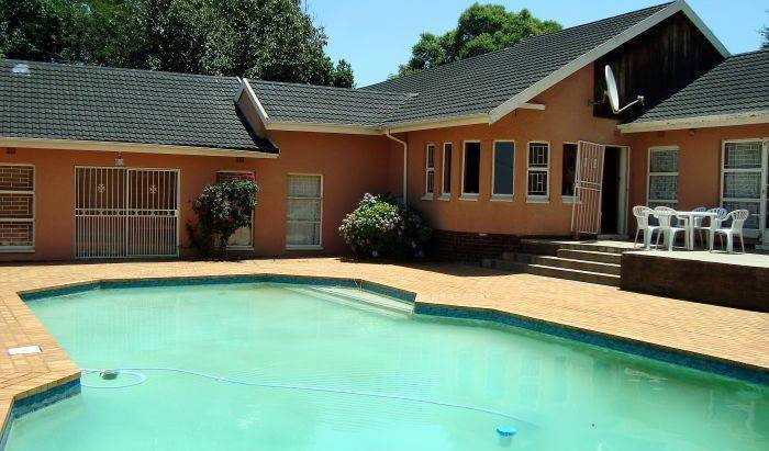 Lakeview Backpackers - Search available rooms for hotel and hostel reservations in Kempton Park, best Europe hotel destinations 5 photos