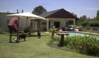 Sleek Backpacker - Search available rooms for hotel and hostel reservations in Johannesburg 2 photos