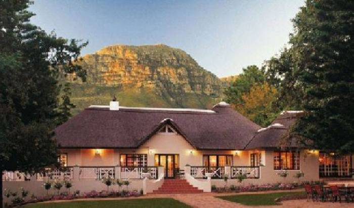 Straightway Head Hotel - Search available rooms for hotel and hostel reservations in Somerset West 4 photos