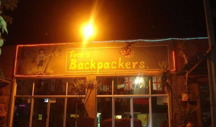 Tom's Backpackers - Search for free rooms and guaranteed low rates in Centurion 18 photos