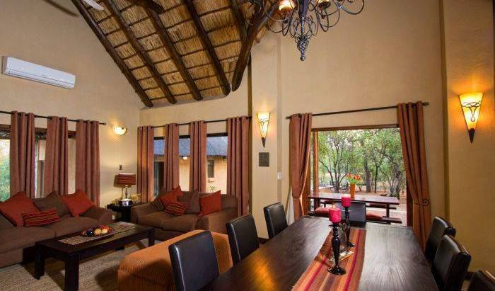 Warthog Rest Private Lodge - Search for free rooms and guaranteed low rates in Hoedspruit 6 photos