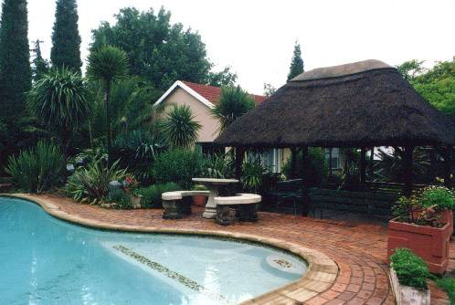 Homestead Lake Cottage, Benoni, South Africa, find cheap hotel deals and discounts in Benoni