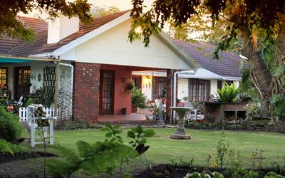 Outeniqua Travel Lodge and Selfcatering, George, South Africa, top deals on hotels in George