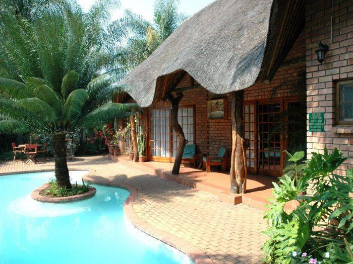 Trees Too Guest Lodge (Nr Kruger Park), Komatipoort, South Africa, South Africa hostels and hotels