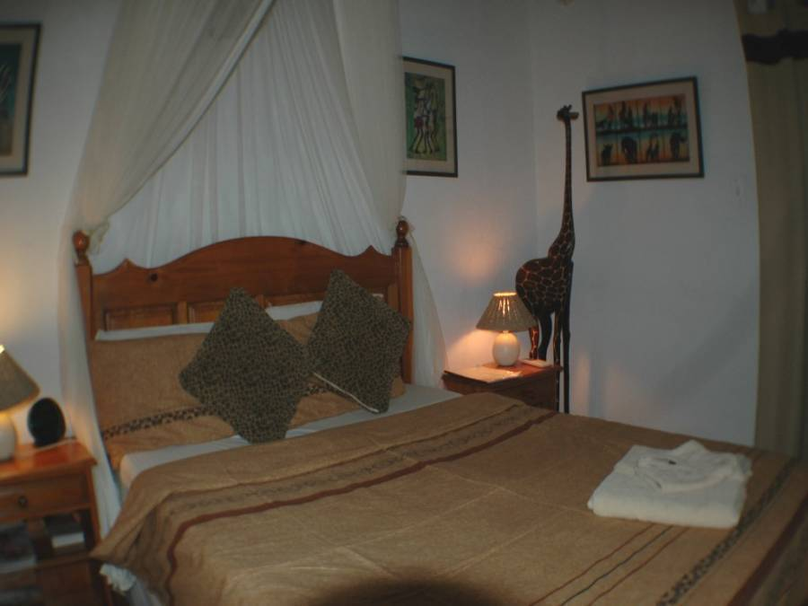 Trees Too Guest Lodge (Nr Kruger Park), Komatipoort, South Africa, youth hostels with air conditioning in Komatipoort