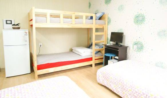 Twin Rabbit Mini Hotel - Search available rooms for hotel and hostel reservations in Seoul 9 photos