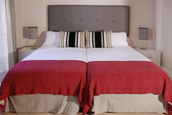 Apartamentos Metropolis, Sevilla, Spain, Spain hoteles y hostales