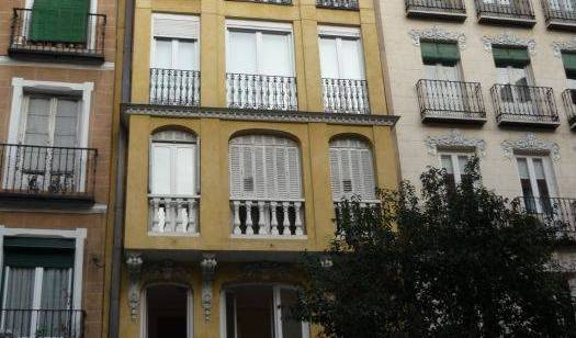 Babel Guesthouse - Search for free rooms and guaranteed low rates in Madrid 16 photos