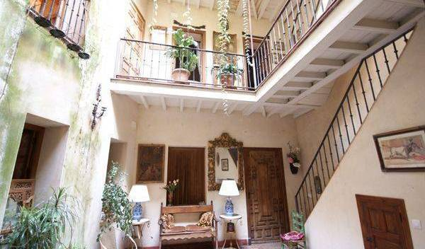 Casa Del Buen Viaje - Search for free rooms and guaranteed low rates in Sevilla 13 photos