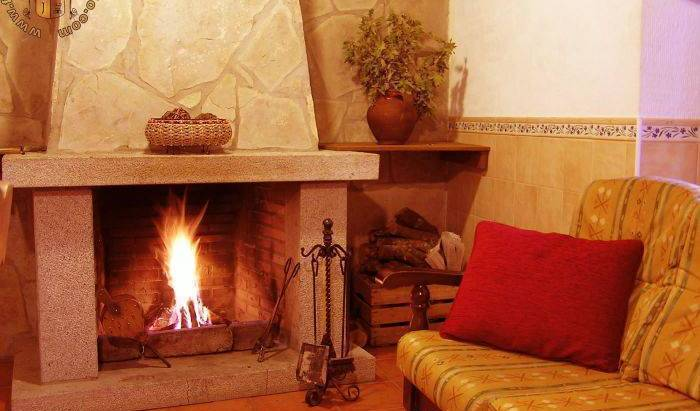 Casa Rural El Berrueco (Rural House) - Search available rooms for hotel and hostel reservations in Robledillo 9 photos