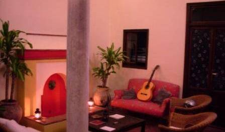 Traveller's Inn Seville - Search for free rooms and guaranteed low rates in Sevilla, great holiday travel deals 7 photos