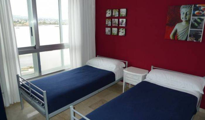 Thehub Calpe Hostel and Bar, how to rent an apartment or aparthotel in Gandia, Spain 12 photos