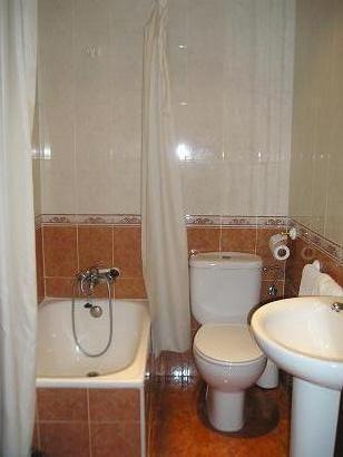 Hostal El Pilar, Madrid, Spain, Najbolje cijene garancija za hotele u Madrid