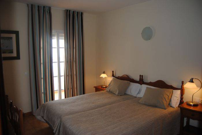 Hostal Marbella, Fuengirola, Spain, compare with famous sites for hotel bookings in Fuengirola