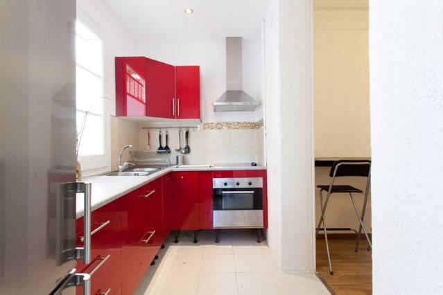 Microtel Bauhaus Gran Via, Barcelona, Spain, compare reviews, hotels, resorts, inns, and find deals on reservations in Barcelona