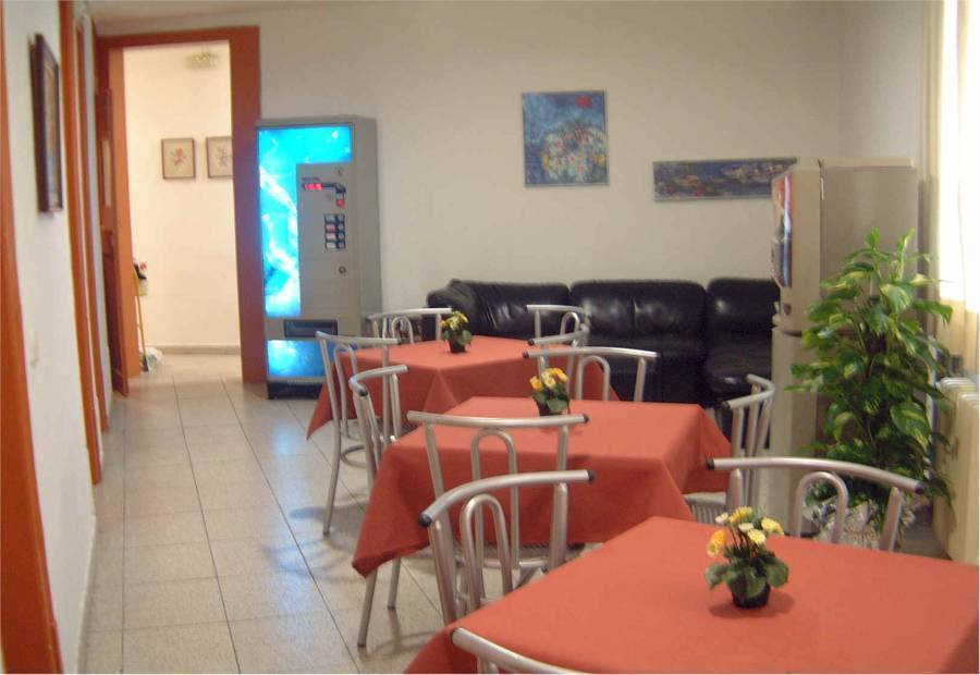 Pension Bahia, Barcelona, Spain, affordable posadas, pensions, hostels, rural houses, and apartments in Barcelona