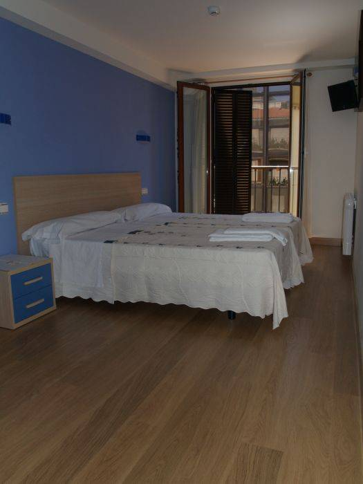 Pension Joakina, San Sebastian, Spain, more hotel choices for great vacations in San Sebastian