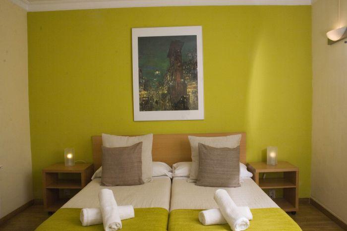 Petit Hotel, Barcelona, Spain, Spain hostels and hotels