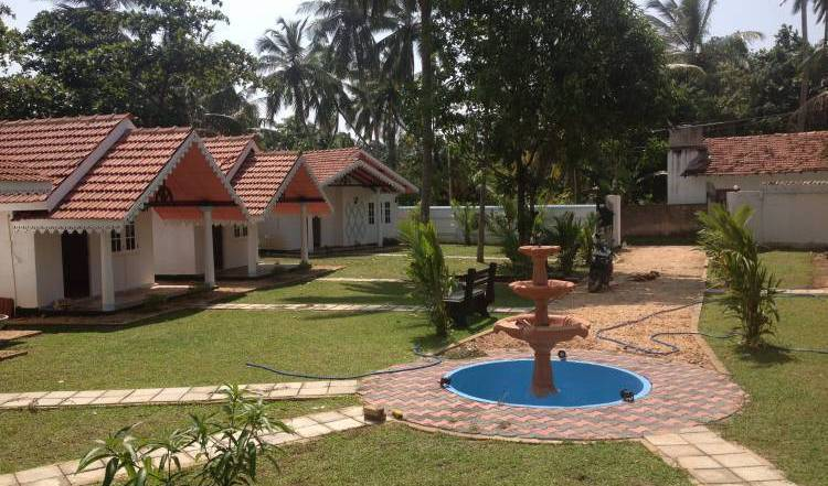 Village - Search available rooms for hotel and hostel reservations in Negombo 3 photos