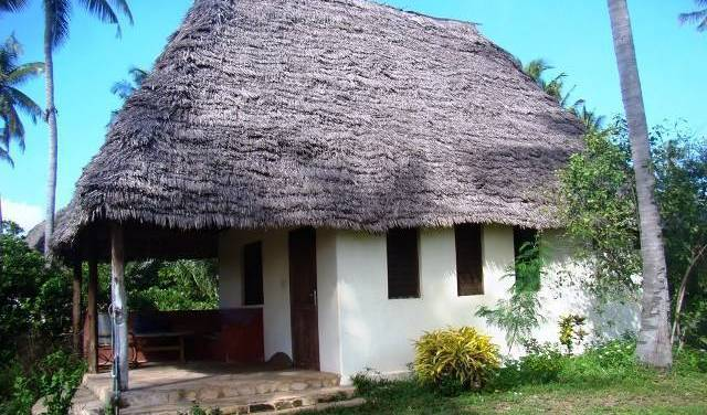 Ushongo Beach Cottages, how to choose a hotel or hostel 11 photos