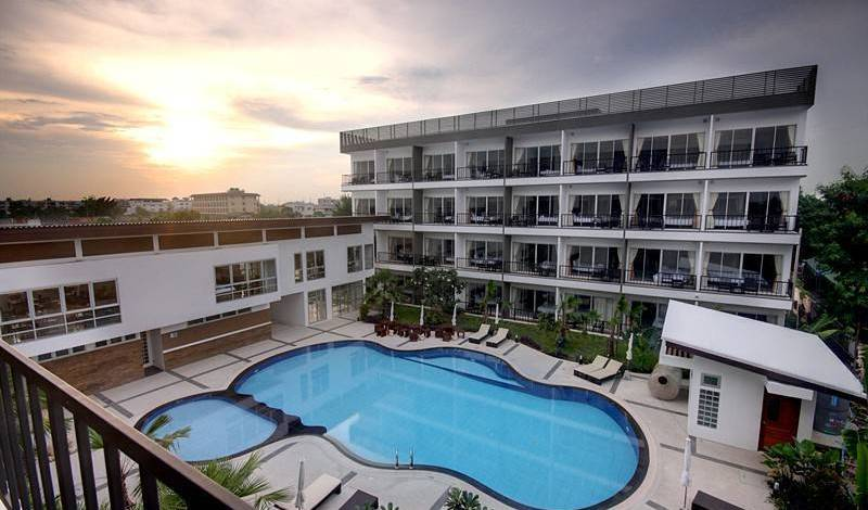 BS Premier Airport Hotel - Search for free rooms and guaranteed low rates in Amphoe Khlong Yai 31 photos