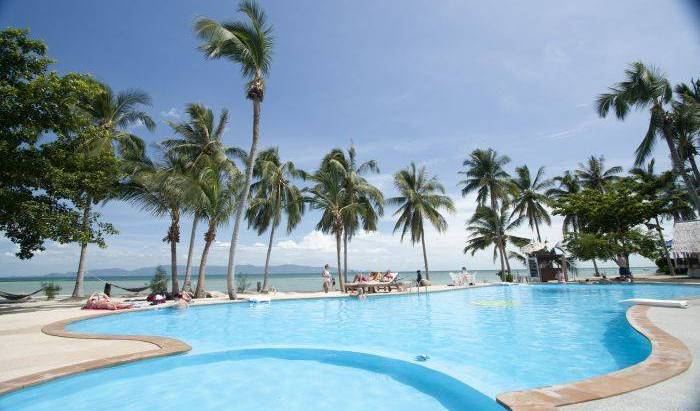 Holiday Beach Resort - Get low hotel rates and check availability in Ko Phangan 12 photos