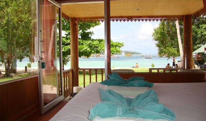 Phi Phi Sand Sea View Resort, compare reviews, hotels, resorts, inns, and find deals on reservations in Amphoe Ko Lanta, Thailand 11 photos