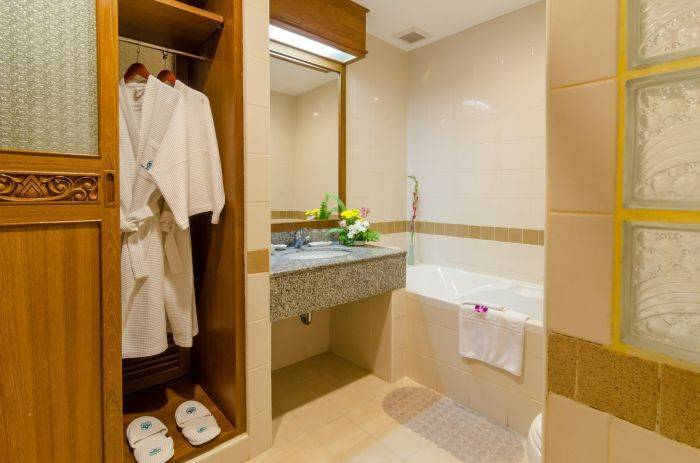 Krabi Heritage Hotel, Ban Ao Nang, Thailand, find the lowest price for hotels, hostels, or bed and breakfasts in Ban Ao Nang