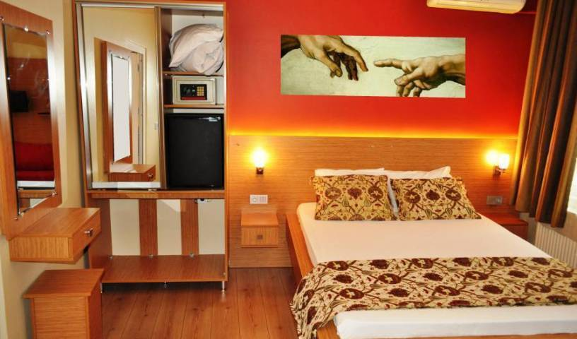 Antique Hostel, guaranteed best price for hotels and hostels in Sirkeci, Turkey 21 photos