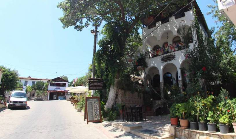Boomerang Guesthouse - Get low hotel rates and check availability in Selcuk 21 photos