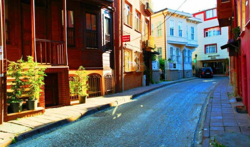 Emirhan Inn - Search available rooms for hotel and hostel reservations in Istanbul 14 photos