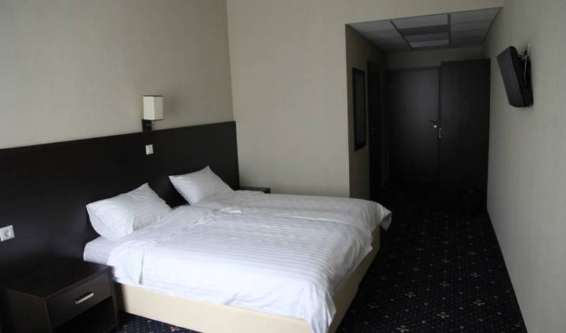 Irishotels - Search available rooms for hotel and hostel reservations in Kiev 12 photos