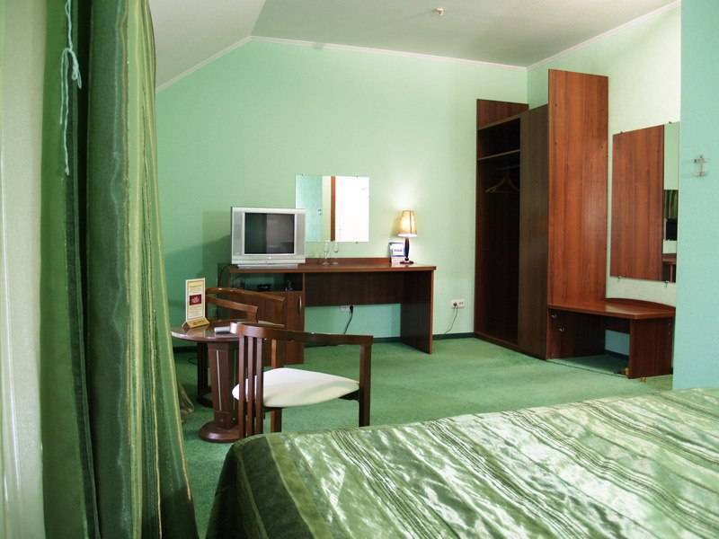 Hotel Gusi Lebedi, Mariupol', Ukraine, where to stay and live in a city in Mariupol'