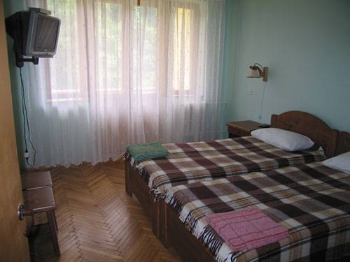 Youth Tourist Complex Edelweiss, Velykyi Bereznyi, Ukraine, hotels with non-smoking rooms in Velykyi Bereznyi