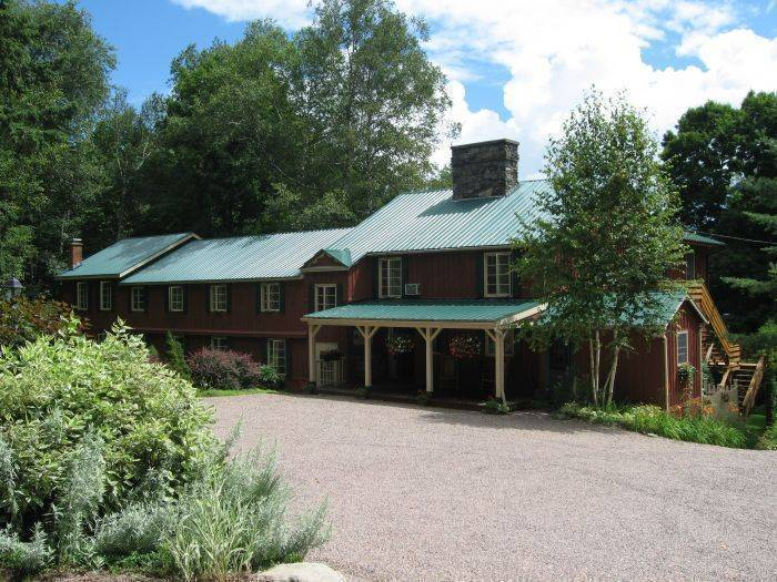 Timberholm Inn, Stowe, Vermont, Vermont hotels and hostels