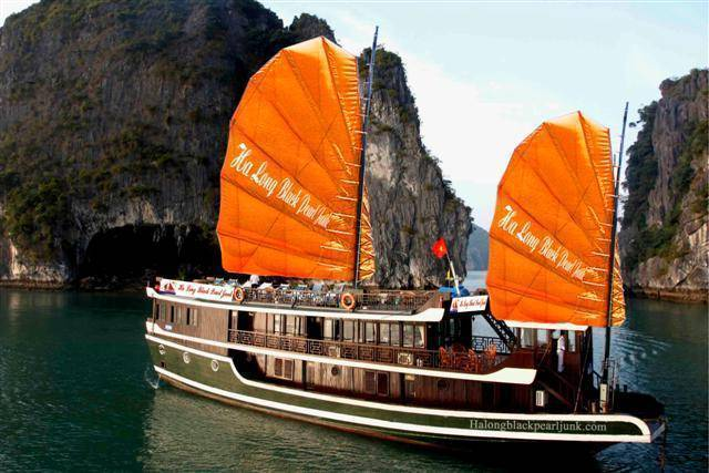 Halong Black Pearl Junk, Ha Long, Viet Nam, hotels for world travelers in Ha Long