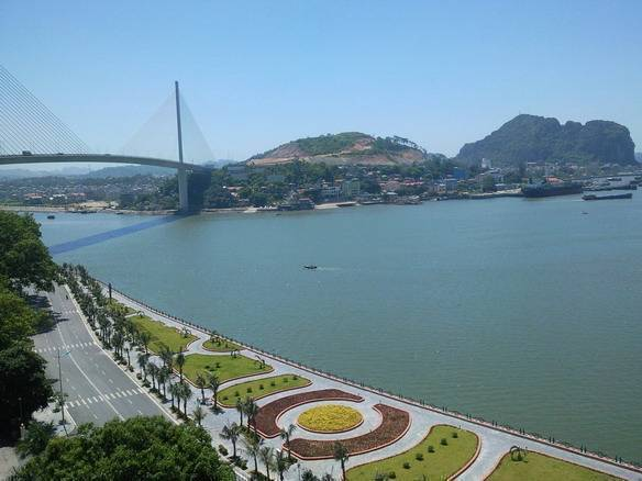 Halong Plaza Hotel, Ha Long, Viet Nam, lowest official prices, read review, write reviews in Ha Long