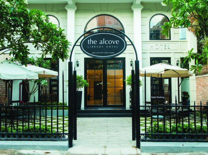 The Alcove Library Hotel, Phu Nhuan, Viet Nam, backpackers gear and staying in hostels or budget hotels in Phu Nhuan