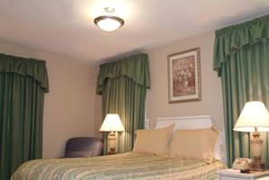 Linden Row Inn Hotel, Richmond, Virginia, Znajdź najniższą cenę w schronisk, hotelach lub pensjonatach w Richmond