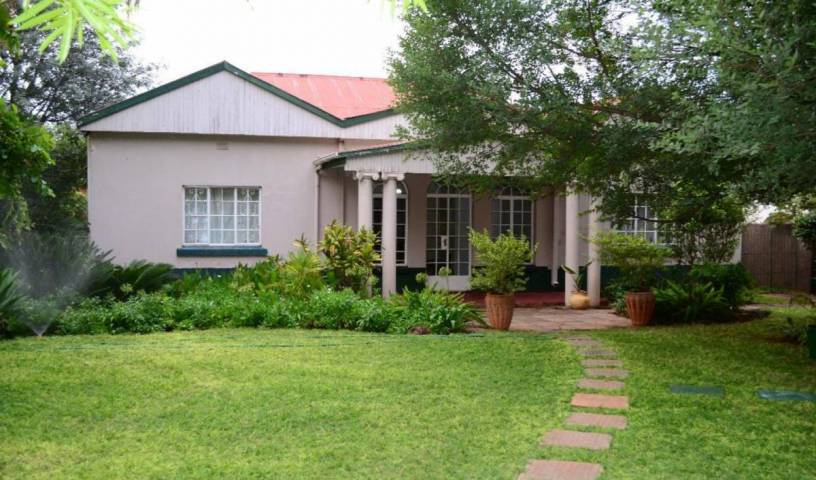 Breeze Guest House - Search for free rooms and guaranteed low rates in Bulawayo, cheap hotels 7 photos