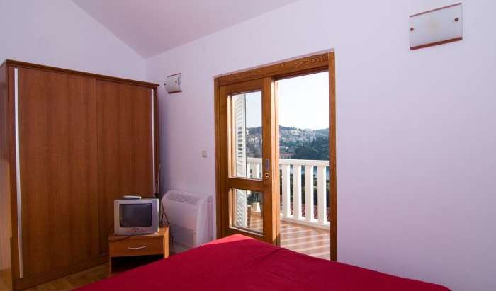 Book hotels and hostels now in Dubrovnik