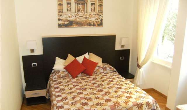 Book hotels and hostels now in Rome
