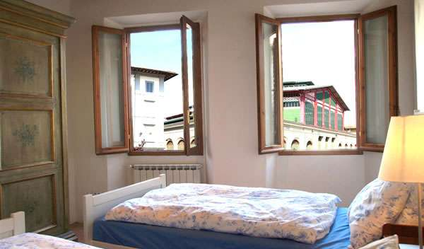 Reserve low rates for hotels and hostels in Florence